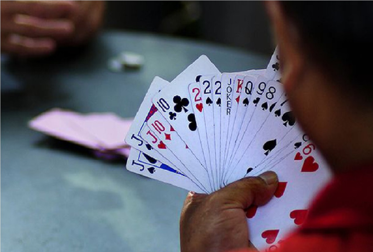 police arrested 6 people for playing cards